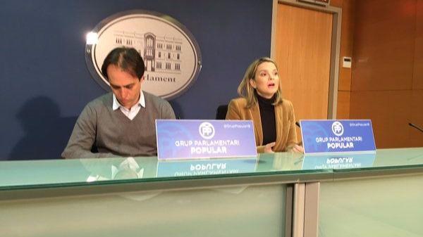 Álvaro Gijón con Marga Prohens