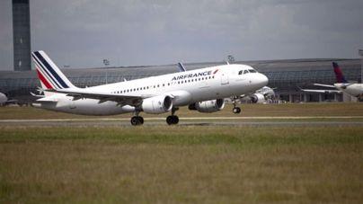 Un avión procedente de Barcelona, a punto de chocar con un drone