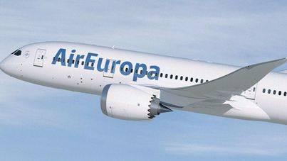 Air Europa programa 2.800 nuevas plazas entre Balears y la Península para Semana Santa