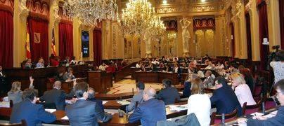 El Parlament pedirá el martes al PP que devuelva dinero de la campaña de 2007