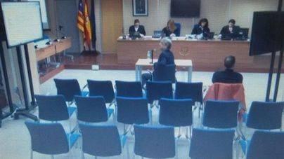 Miguel Tejeiro insinúa que la infanta siguió un guión en su declaración