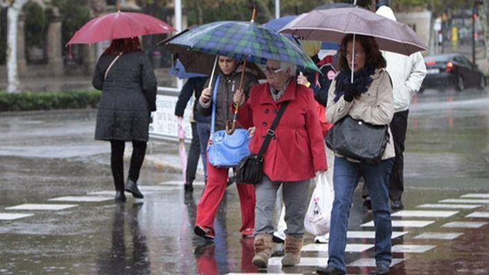 Los paraguas y los abrigos serán prendas esenciales