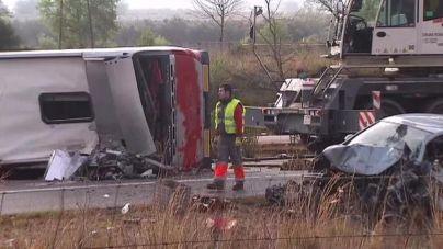 13 muertos y 23 heridos en un accidente de autocar en Tarragona