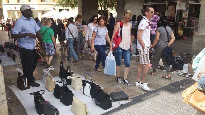 Habrá más presencia policial para atajar la venta ambulante en Palma