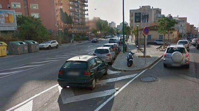 Corte en la calle Barrera por obras en la red de agua en Son Espanyolet
