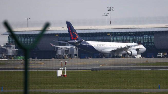 El aeropuerto de Bruselas reabre parcialmente 12 días después del atentado