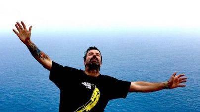 Pau Donés supera el cáncer y lo celebra en el mar