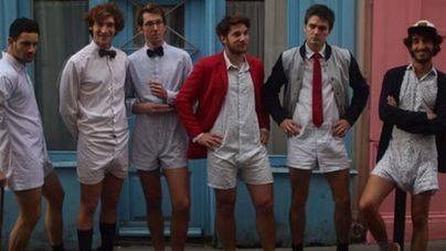 La 'calchemise' es la última moda masculina