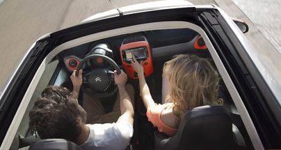 Dos tercios de los conductores están a favor de prohibir la circulación por emisiones del vehículo