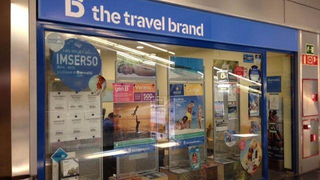 La patronal de agencias de viaje propone congelar los salarios e incrementar la jornada