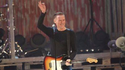 Bryan Adams cancela un concierto en protesta contra una ley antigay