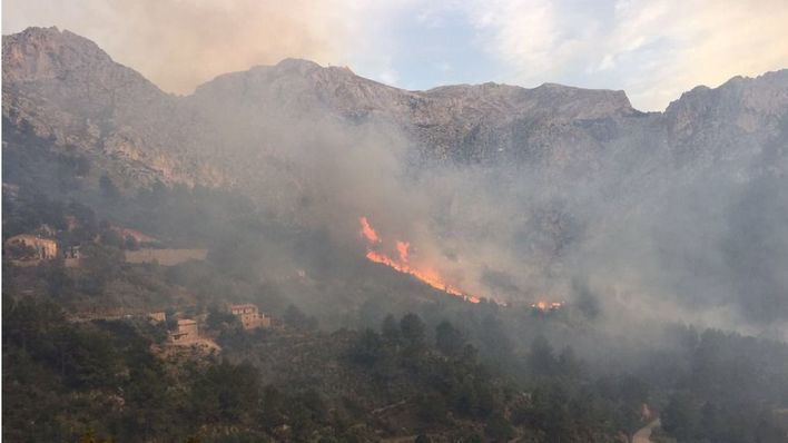 La quema que inició el incendio de Cala Tuent no estaba autorizada