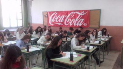 Una bombilla inspira a los finalistas del Concurso de relato breve Coca-Cola