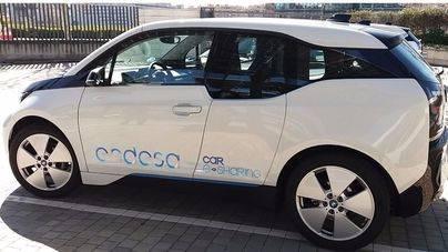 Endesa pone a disposición de sus empleados tres coches eléctricos