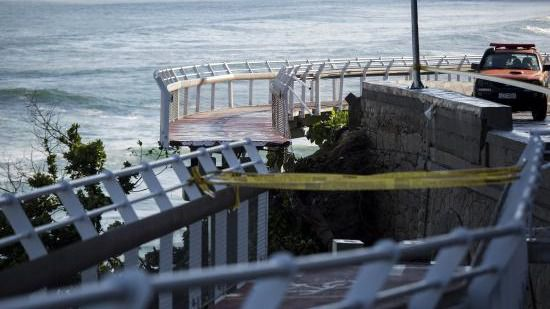 Mueren dos personas en Río del Janeiro al derrumbarse un carril-bici
