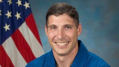 Un astronauta celebra su propia misa en órbita