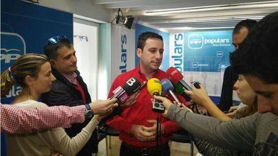 Ferrer, atendiendo a los medios