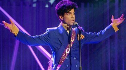 Prince ocultaba que tenía sida y estaba grave