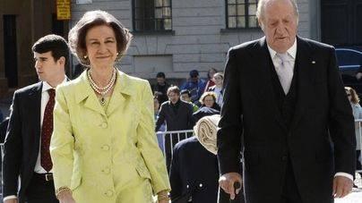 Don Juan Carlos y doña Sofía asisten juntos a un acto oficial en Suecia