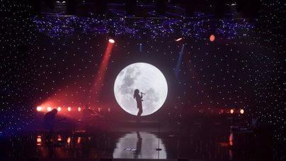 Amaral presenta su 'Paseo nocturno bajo las estrellas'