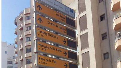 Cort instala 18 paneles informativos sobre el estado de los parkings