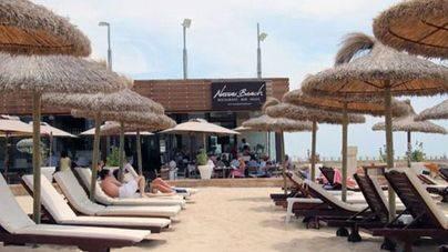 El 'Nassau' est� al final de la playa de Can Pere Antoni