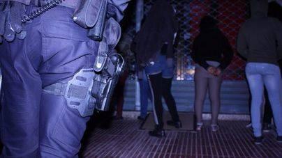 Momento de la actuaci�n de la Polic�a Nacional