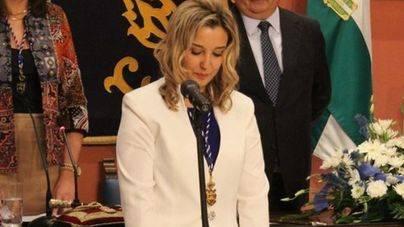 Las concejalas no podrán ir con pantalones al pleno de Alcalá de Guadaíra
