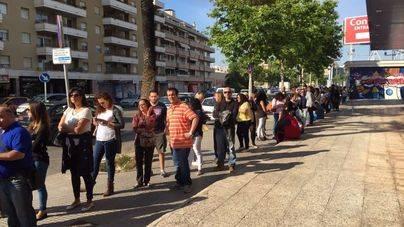 Más de 500 personas hacen cola para un trabajo en el futuro Primark de Palma