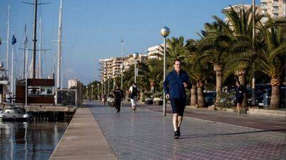 Rajoy suda la camiseta en el Passeig Marítim de Palma