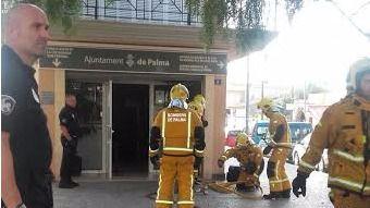 Un incendio quema centenares de documentos de la oficina municipal de Cort en Son Ferriol
