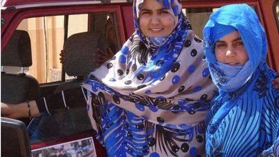 Dos saharauis abren una autoescuela para que las mujeres conduzcan