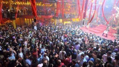 El ocio nocturno y la música electrónica atraen a miles de visitantes a la isla