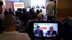 Las televisiones se vuelcan con la cobertura de la conferencia de Roures