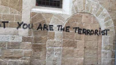 Las pintadas anti-turistas permanecen pese al anuncio de Cort de su retirada