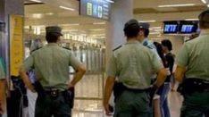 Dos d�as sin sueldo por saludar sin la gorra