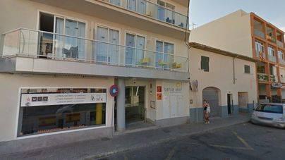 Muere un hombre en unos apartamentos turísticos de S'Arenal