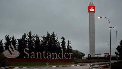 La Guardia Civil registra la sede central del Santander por la 'lista Falciani'
