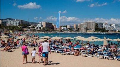 Calvià impulsa con 300.000 euros la reconversión de restaurantes y comercios en Magaluf