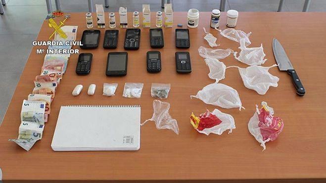 Detenidos dos integrantes de una organizaci�n que distribu�a drogas en Magaluf