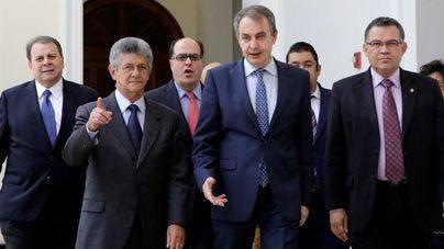Zapatero mantiene una