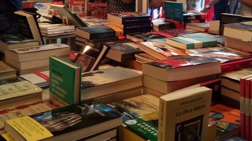 Los libreros afirman que la Fira en el Born les ha aumentado las ventas y la afluencia de público