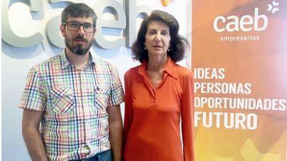 Carmen Planas, presidenta de Caeb, y Xavier Gil, responsable de la nueva Comisión
