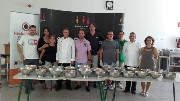 Projecte Home cocina con los chefs de Turquesa Catering