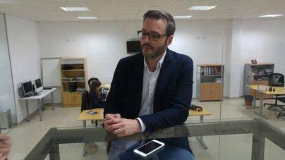 Hila sigue dispuesto a negociar la carrera profesional para 2.400 funcionarios de Cort