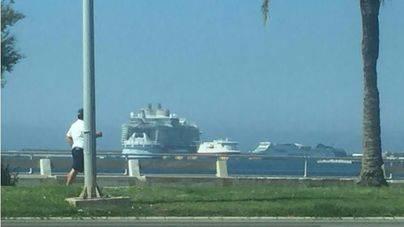 El crucero más grande del mundo desembarca 6.400 turistas en Palma
