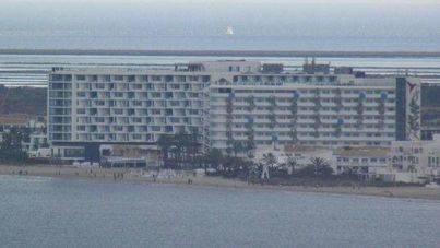 Muere un trabajador en un hotel de Eivissa al caer de un 7º piso