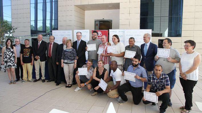 Endesa y Cáritas entregan los diplomas del curso de electricidad y domótica