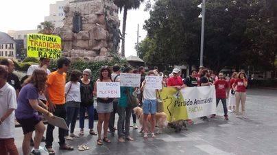 Antitaurinos en Palma: