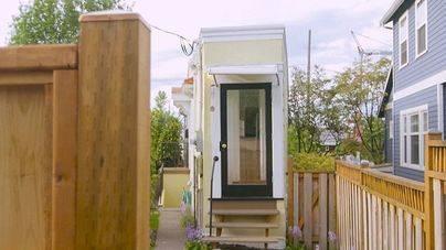 Una diminuta casa de un metro de ancho cuesta 499.000 dólares